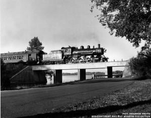 CNW 1385 crossing Yahara River bridge