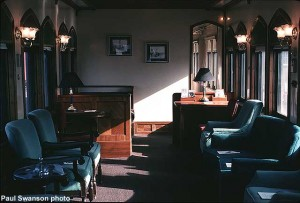 C&NW 440 interior of parlor room; Autumn Color 1991; Paul Swanson photo
