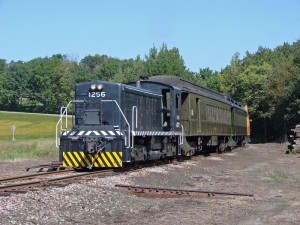 #1256 leads the daily train at Ulrich Road on Sept. 8, 2007. Tim Martin photo.